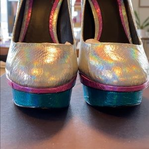 B Brian Atwood Shoes - B Brian Atwood Iridescent Lizard Leather Heels Sz7